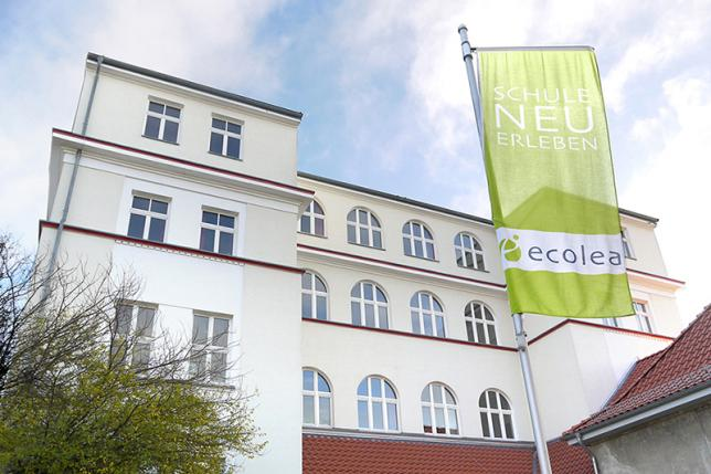 Ansicht 1 Schulgebäude - © ecolea Rostock
