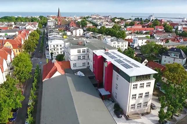 Ansicht 2 Schulgebäude - © ecolea Rostock