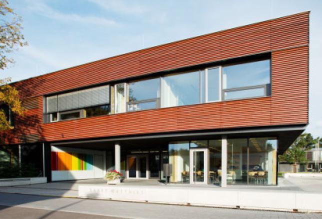 Haupteingang Gymnasium, Kolleg und Fachoberschule St. Matthias